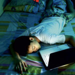 Trop de temps devant les écrans nuit à la santé !