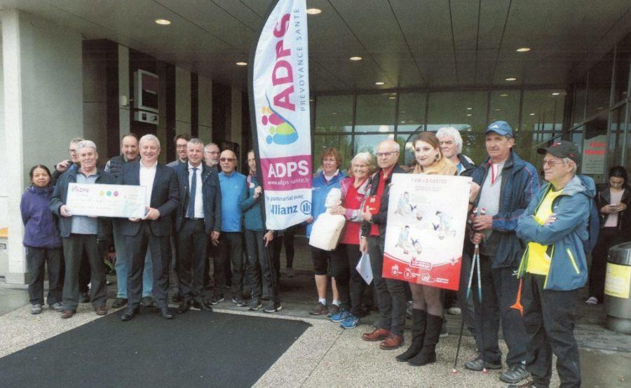 Remise de don par l'ADPS au club Cœur Santé du Genevois