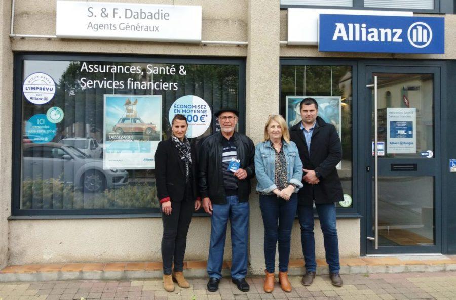 Mars Bleu : L'ADPS remet un bon d'achat  à un gagnant de la Tombola