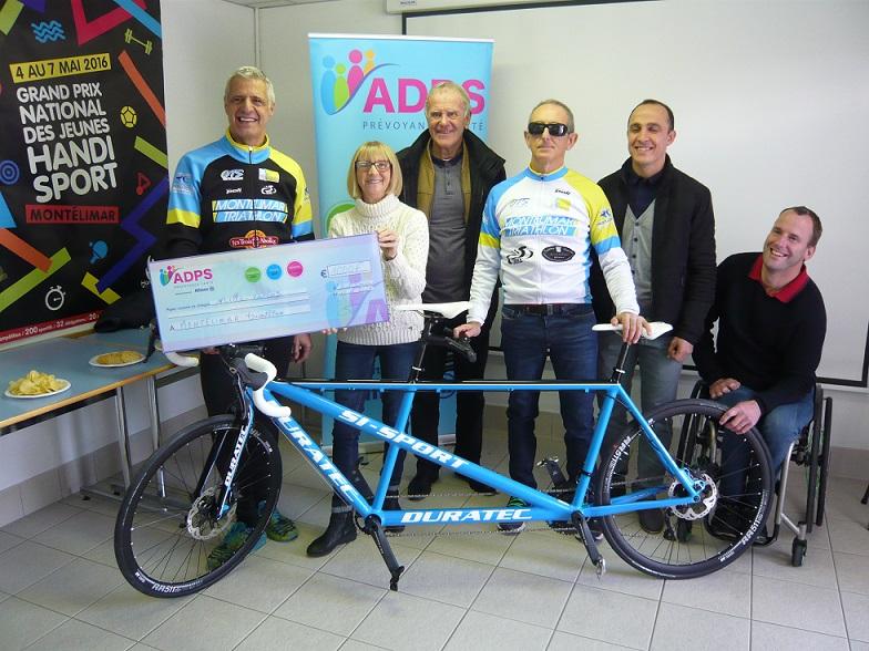 Remise de don au club de triathlon de Montélimar