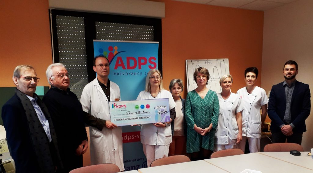 Remise de don au Centre Hospitalier Geneviève De Gaulle Anthonioz