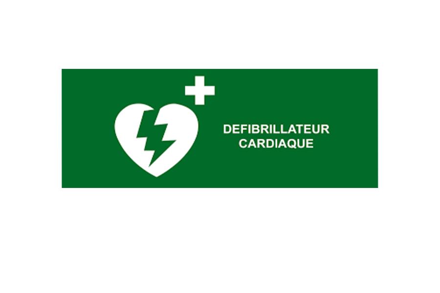 Un nouveau défibrillateur pour la mairie de Vallière